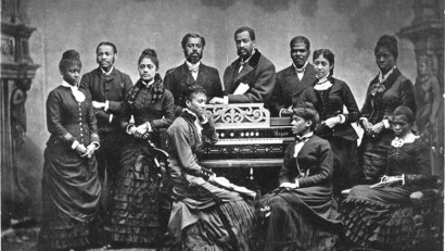 """The Fisk Jubilee Singers in 1882, an African American a cappella ensemble consisting of students at Fisk University. In 2002 the Library of Congress honored their 1909 recording of """"Sweet Low, Sweet Chariot"""" by adding it to the United States National Recording Registry."""